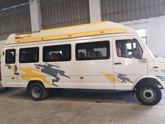 Hire tempo traveller in ghaziabad